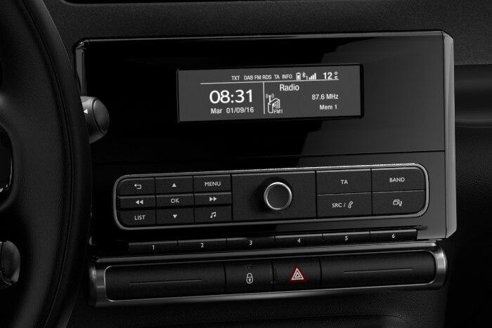 Audio sistem RD6 DAB s prostoročnim telefoniranjem Bluetooth®, USB in 6 zvočniki